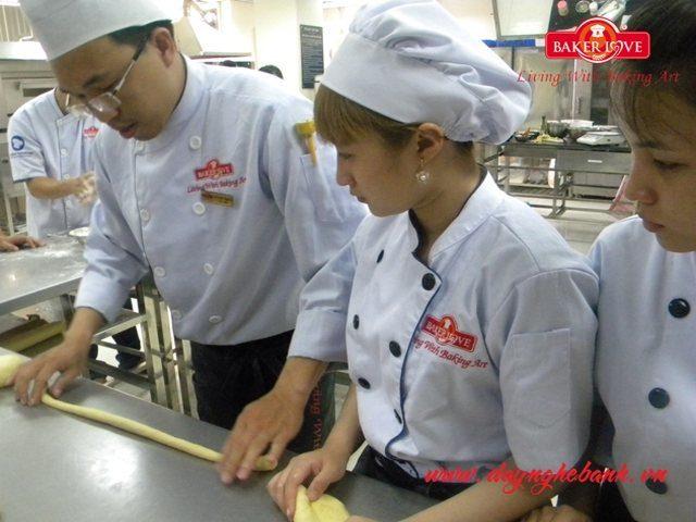 Học Làm Bánh Mì Chuyên Nghiệp