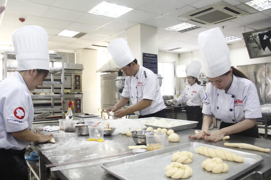 học làm bánh chuyên nghiệp chứng chỉ quốc tế của úc