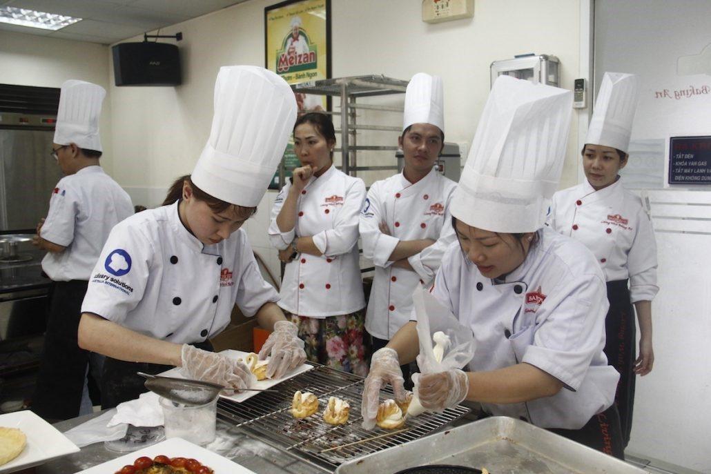 Học Làm Bánh Tại Nhất Hương