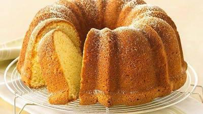 CREAM CHESSE POUND CAKE