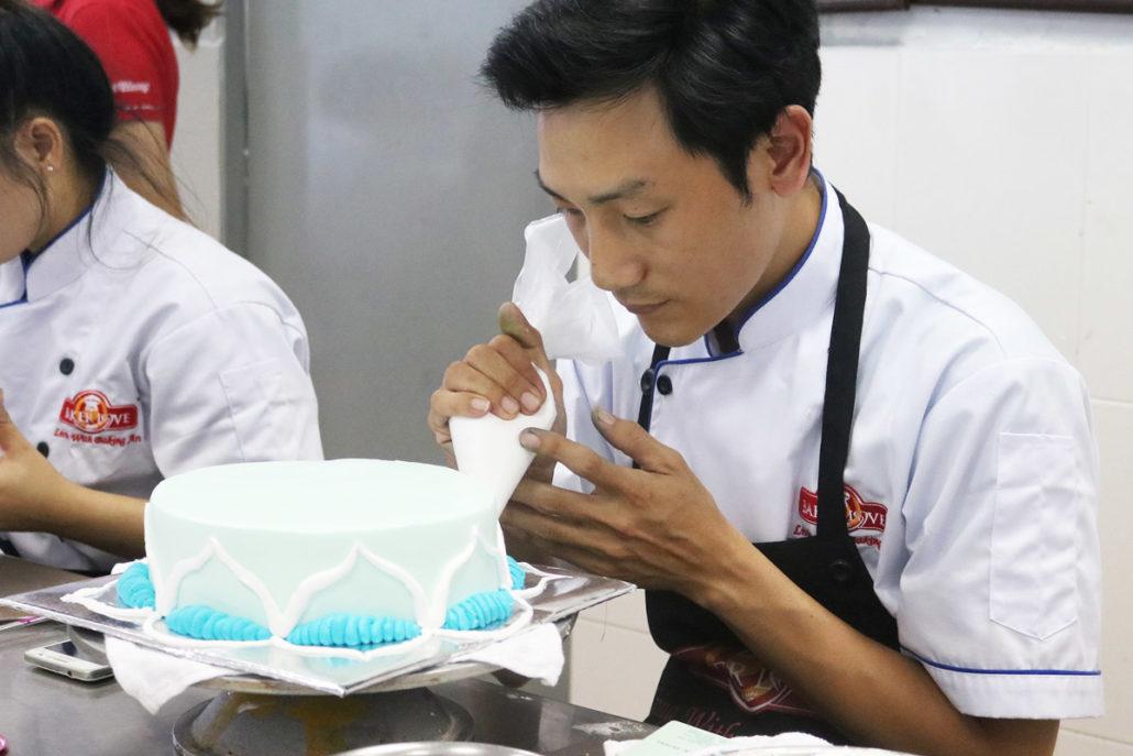 Tự làm bánh tặng người yêu ngày 20 tháng 10