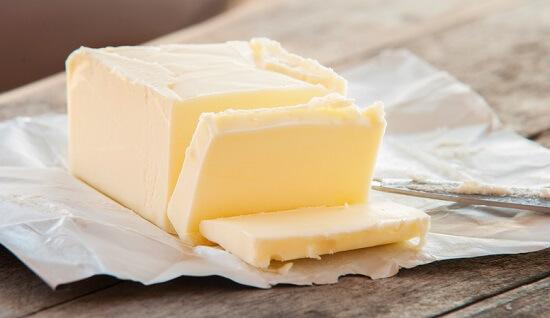 Bơ làm bánh