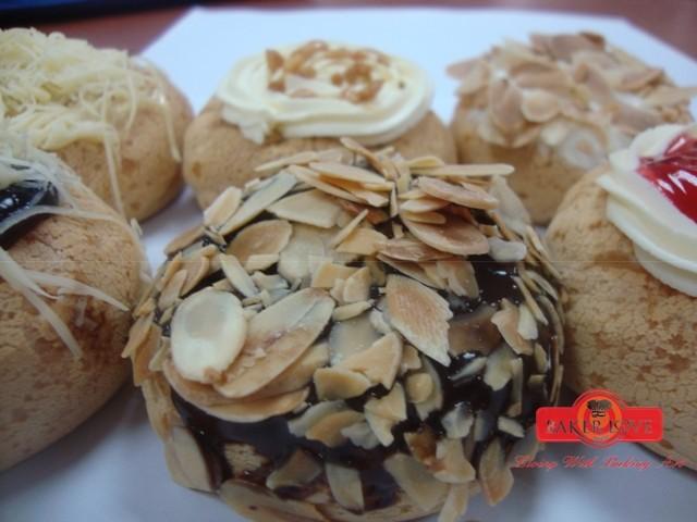 Almond Chocolate Crunchy 01