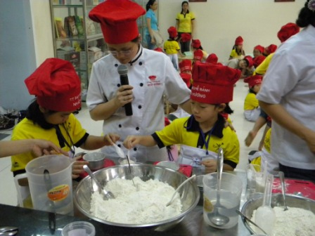 baking for kid he 07