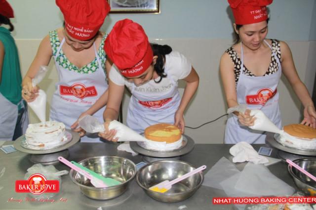 học làm bánh kem 02