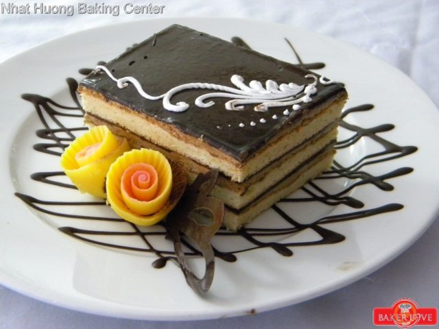 Speciality Chocolate Biscuit Cake