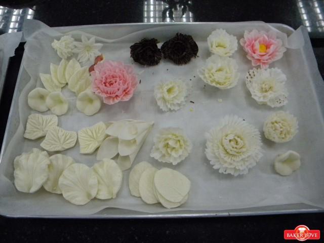 tạo hình chocolate bằng plastis